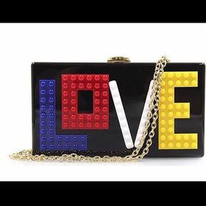 Handbags - LoVe crossbody 💋💍💄